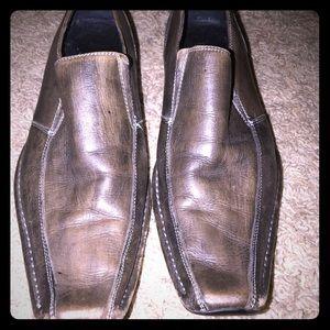 Gorgeous Men's grayish brown Aldo dress shoes.